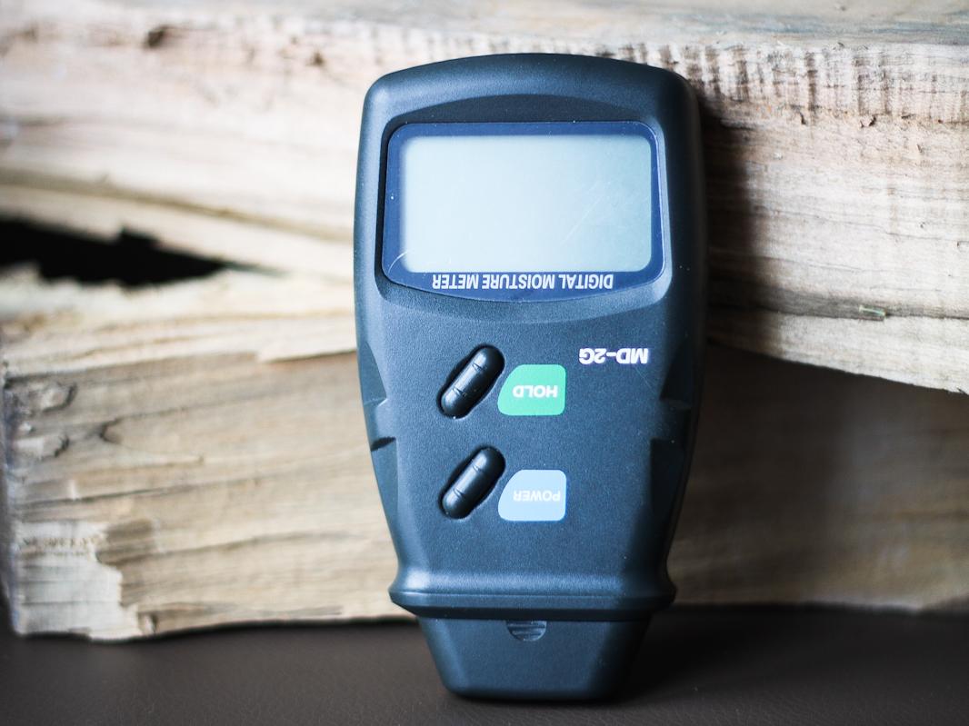 Miernik do pomiaru wilgotności drewna