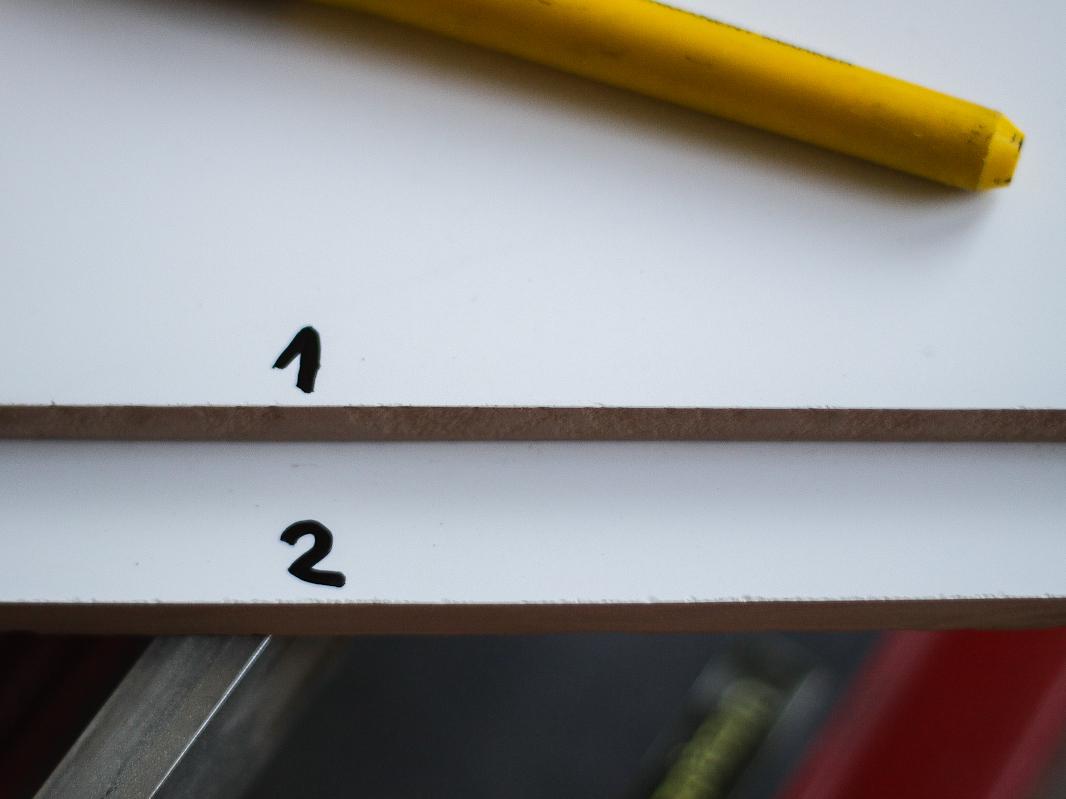Cięcie glazury - maszynka (1) vs szlifierka (2)